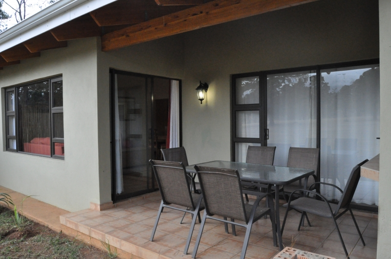 Self Catering: Patio